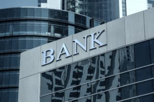 Hoe banken kunnen voorkomen dat ze overbodig worden voor consumenten