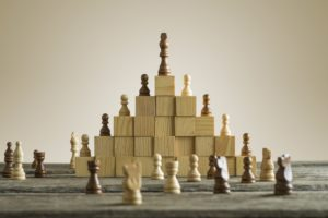 Autonome medewerkers en hiërarchische managers