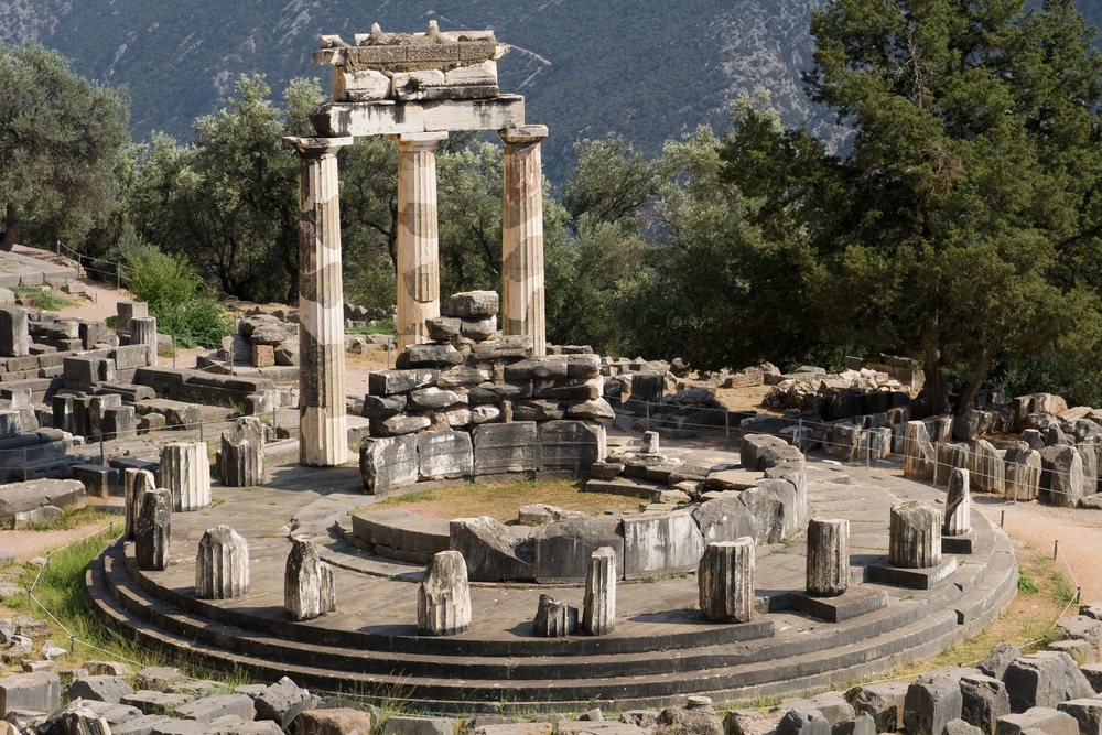 De beroemde Apollo tempel in Delphi