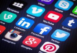 Formeel of informeel op social media?